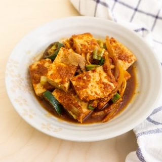 Baek Jong Won spicy braised tofu with pork (dubu jorim)