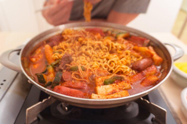 budae jjigae (korean army stew)