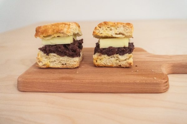 Ang Butter Scone (Scone with Sweet Red Bean and Butter)