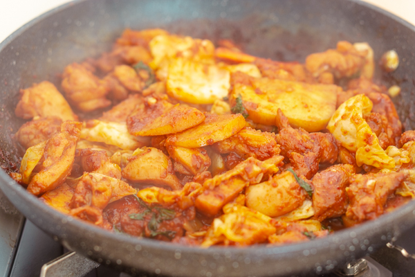 Dak Galbi (Korean Stir-Fried Spicy Chicken)