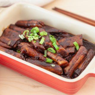 Jajang Tteokbokki – Kang's Kitchen (Korean Rice Cakes with Black Bean Sauce)