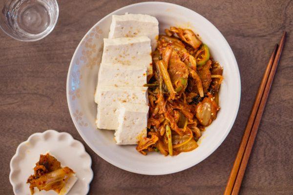 Dubu Kimchi (Kimchi Pork stir-fried with Tofu)
