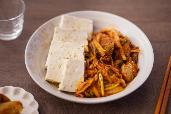 Dubu Kimchi (Kimchi Pork stir-fried with Tofu)