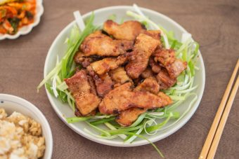 (Soy Sauce Braised Pork Belly) - Cha Seung Won